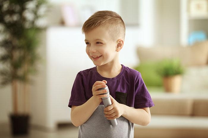 I vantaggi di imparare a suonare da piccoli